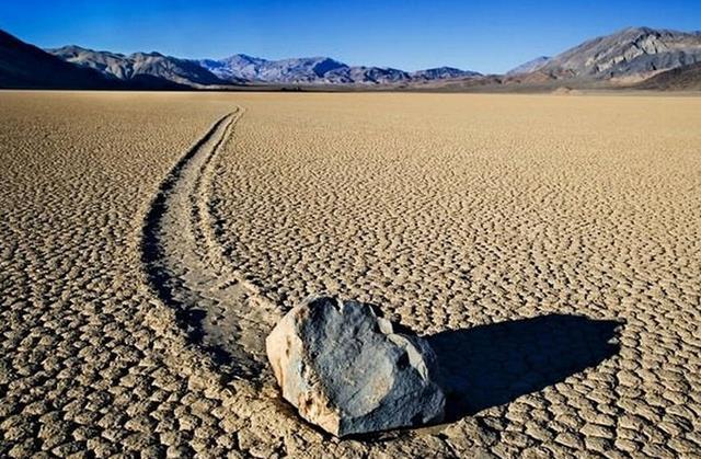 piedras-que-se-mueven-solas-valle-de-la-muerte