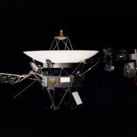 Sonda Voyager 1 ya casi esta fuera de nuestro sistema solar