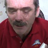 Que sucede cuando no podemos evitar llorar en el espacio