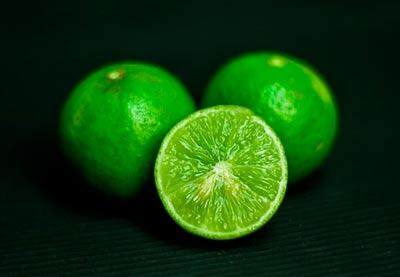 limón tiene pH acido alto