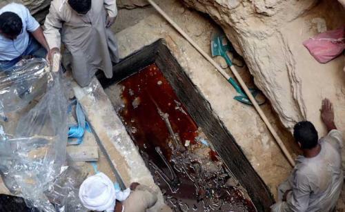 sarcofago-abierto-egipto